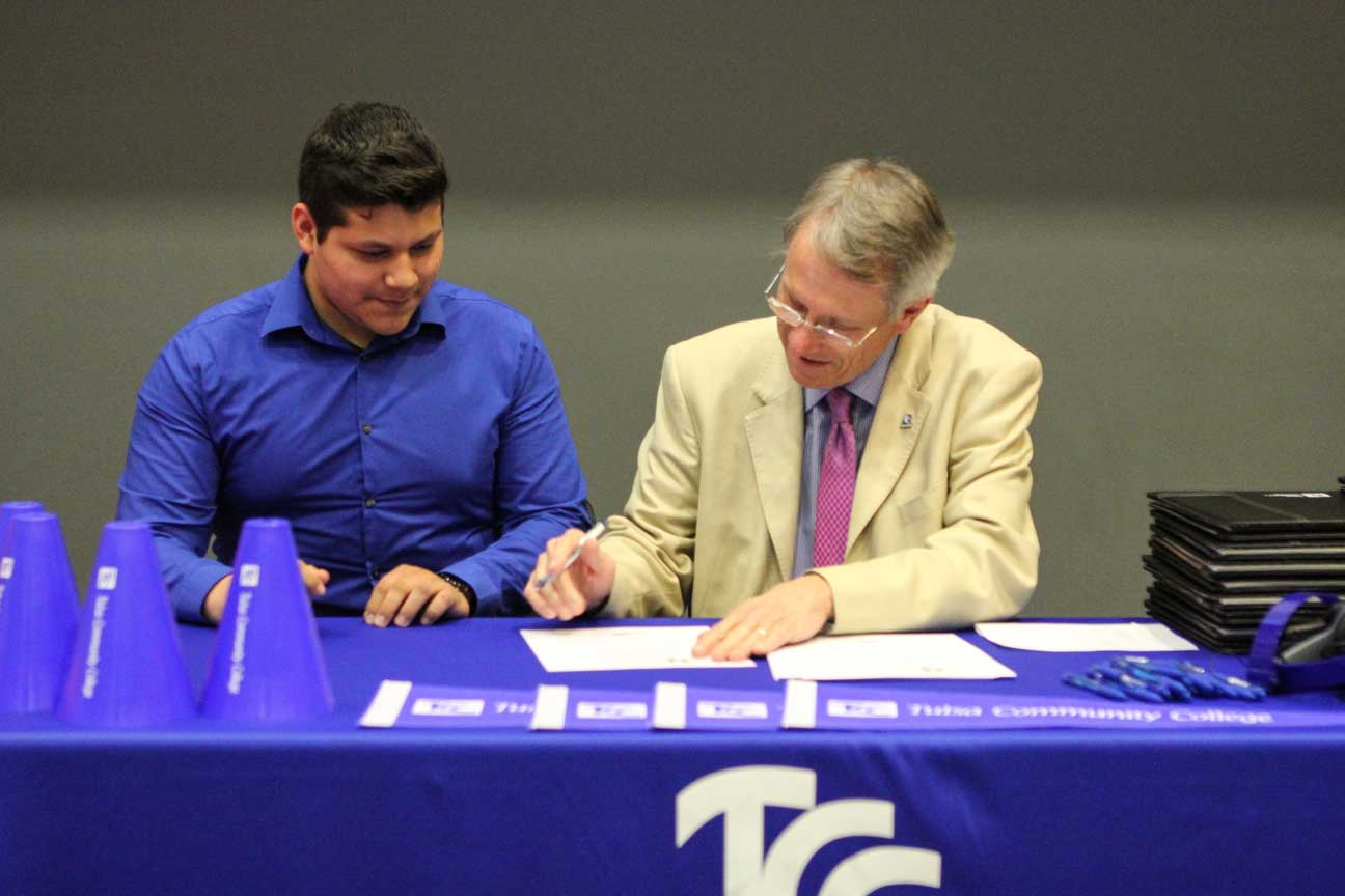 Student signs letter of intent for TCC